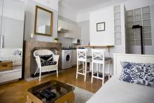 <p>Large furnished studio close to NATO and EU area and walking distance to Shuman area</p>