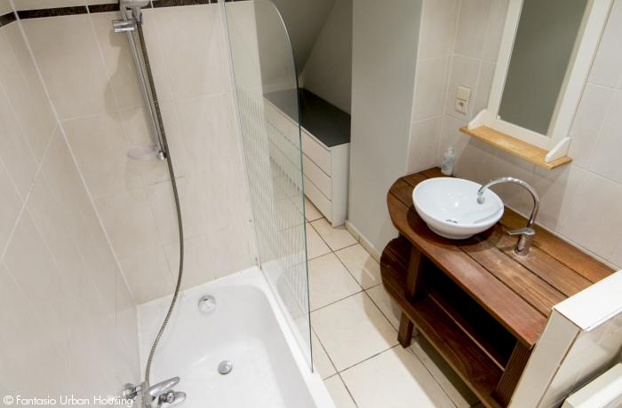 <p>Open space 1 bedroom furnished appartement close to Metro Arts-Loi</p>