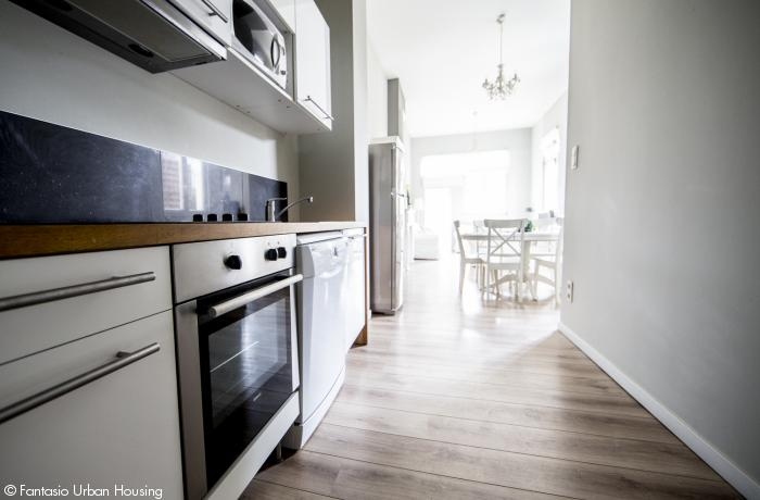 <p>1 bedroom furnished appartement with spacious wooden terrace facing South and view on Eu Parliament close to Place Luxembourg and Shuman area</p>
