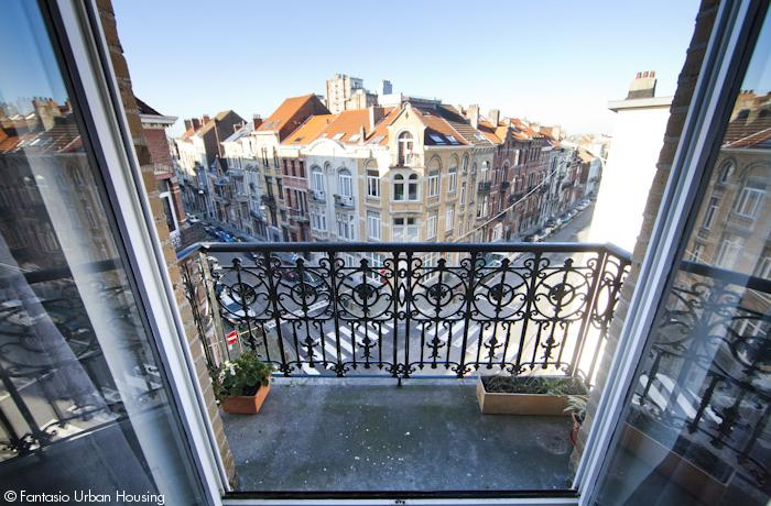 <p>Spacious 1 bedroom furnished appartement with high cealings close to Merode and Cinqauntenaire Park</p>