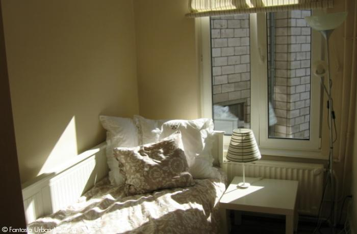 <p>Cosy large furnished studio with seperated bedroom high ceilings and mezzanine close to EU area</p>