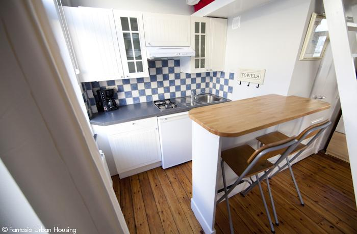 <p>Cosy large furnished studio with mezzanine walking distance to EU area</p>