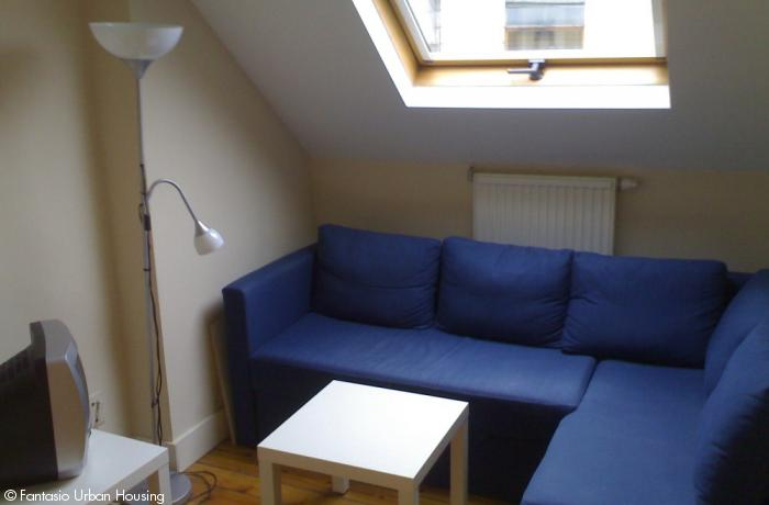 <p>Cosy large furnished studio with seperated bedroom walking distance to EU area</p>