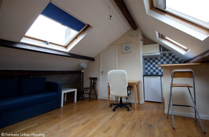 <p>Large furnished studio penthouse close to EU area</p>