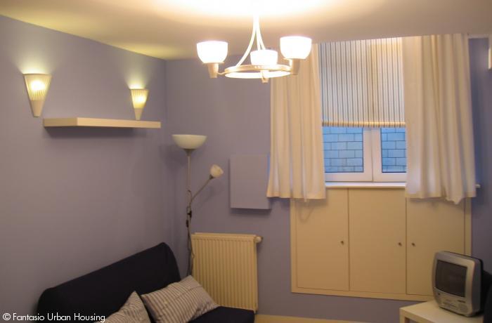 <p>Large cosy furnished studio close to EU area</p>