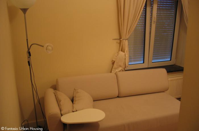 <p>Small cosy furnished studio close to EU area</p>