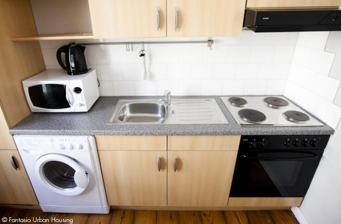 <p>Spacious 1 bedroom furnished appartement with high cealings close to Metro Arts-Loi</p>