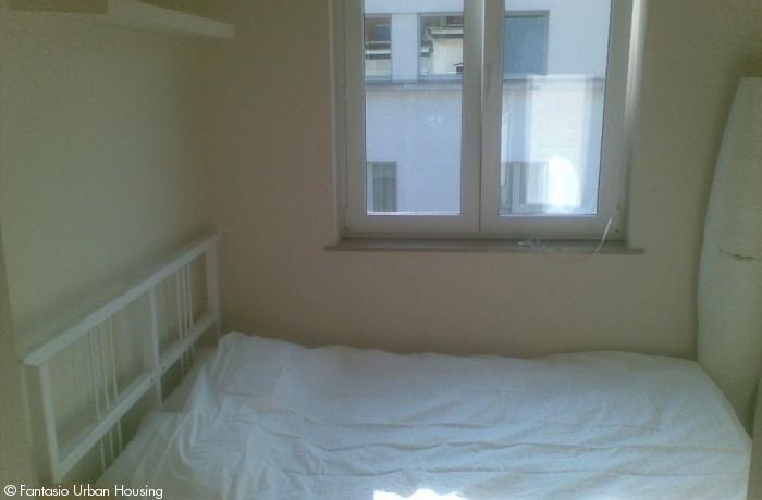 <p>2 bedroom furnished penthouse close to Metro Arts-Loi ideal for sharing</p>