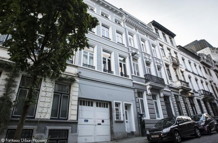 <p>Cosy furnished 1 bedroom Furnished appartement with high ceilings close to Place Luxembourg and EU Parliament</p>